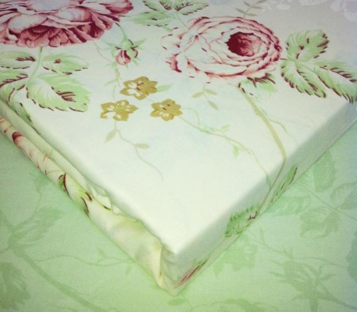 Живое фото комплекта постельного белья из поплина: Амели зеленый